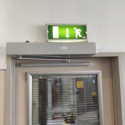 90 Derece Acilir Meteseli Kapı Mekanizması
